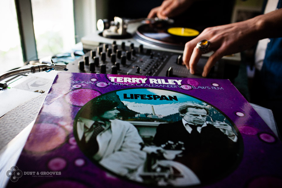 Dust_and_Grooves_2458